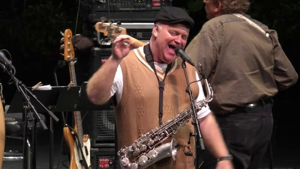 Brent Gordon performing